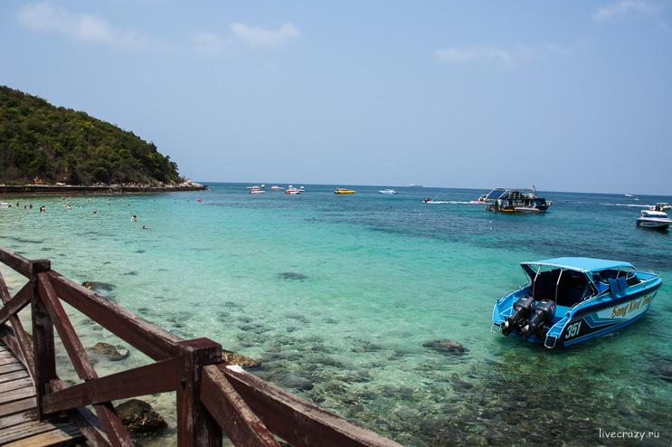 Недалеко от пирса острова Ко Лан