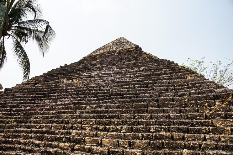 Пирамида хеопса парк Dreamworld